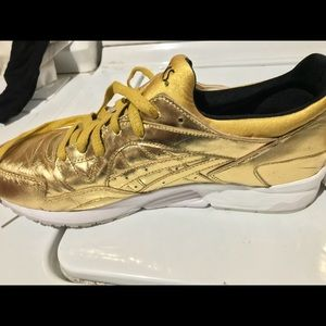 91bf50e09e9b Asics Shoes - ASICS TIGER GEL LYTE V liquid metal gold
